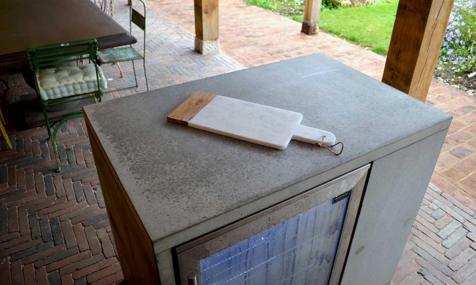 Living-Concrete-Outdoor-Kitchen