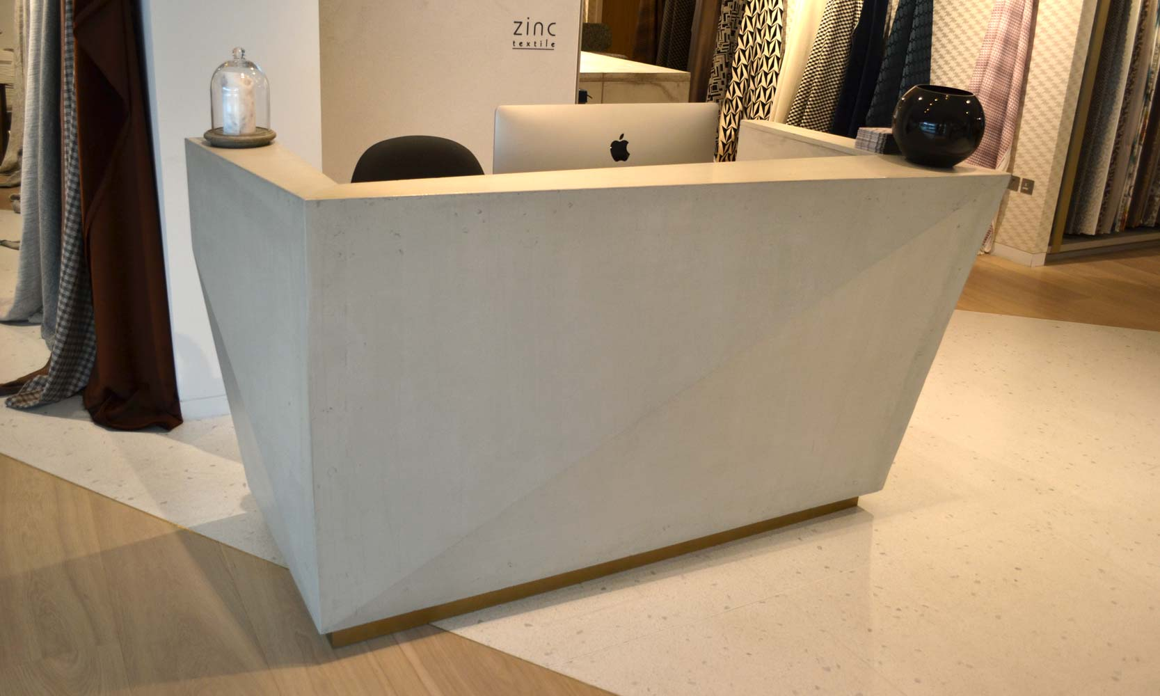 romo-reception-desk