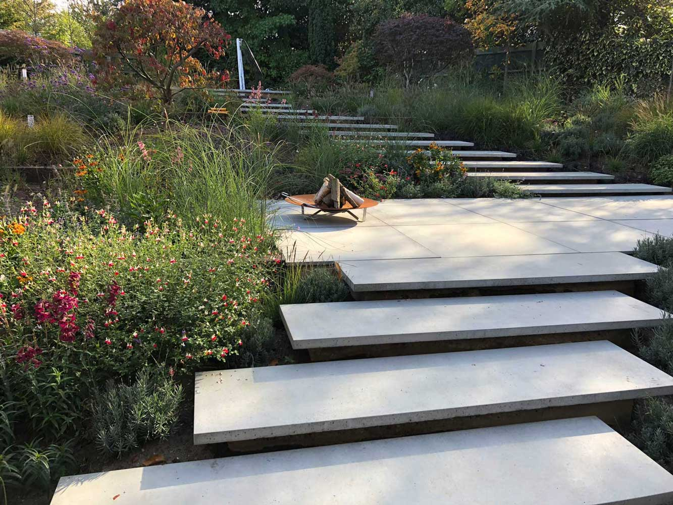 Cast Grc Concrete Bespoke Floating Steps And Concrete Tiles For Private Residence In Cobham Living Concrete